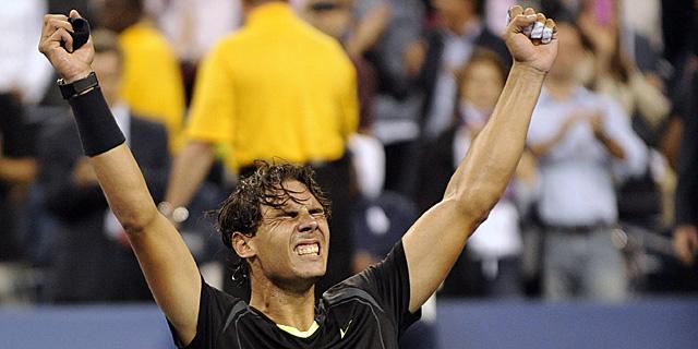 Rafa Nadal celebra su triunfo en Flushing Meadows.   Efe