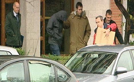 Manuel Pascua, entrenador de Marta Domínguez, tras ser detenido en Palencia. (Foto: Atlas)