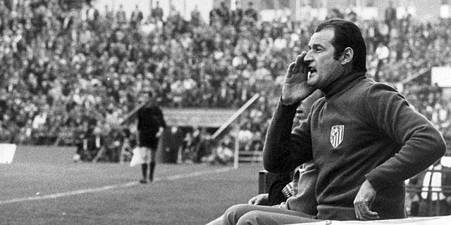 Marcel Domingo, en el banquillo del Atlético de Madrid.   Foto: MARCA