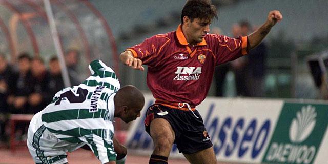 Vincenzo Montella (der.), en su etapa como jugador. | Foto: Reuters