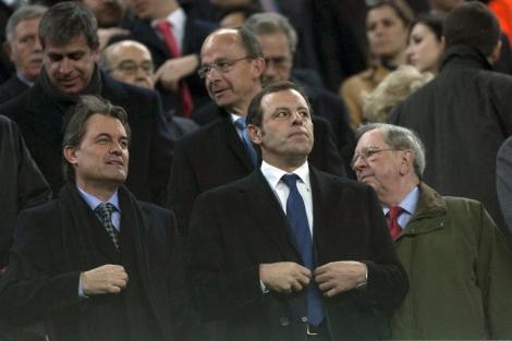 Rosell y Mas, en el palco del Camp Nou (Foto: EFE).