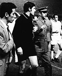 Guruceta, en el Camp Nou en 1970.
