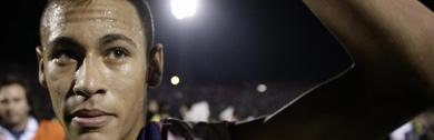 Neymar celebra el pase de equipo a la final de la Libertadores. (Foto: Ap)