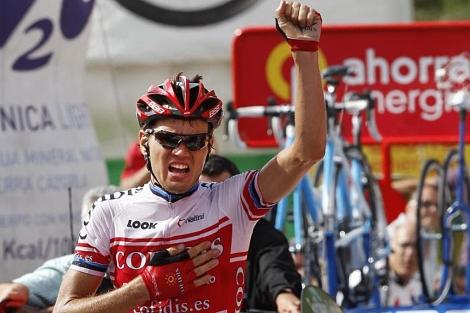 Taaramae celebra la victoria en la decimocuarta etapa de la Vuelta.   Efe