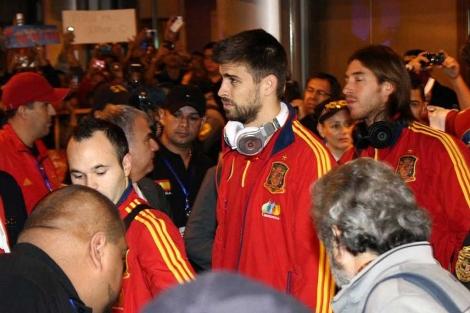 Los jugadores españoles, a su llegada a Costa Rica. (EFE)