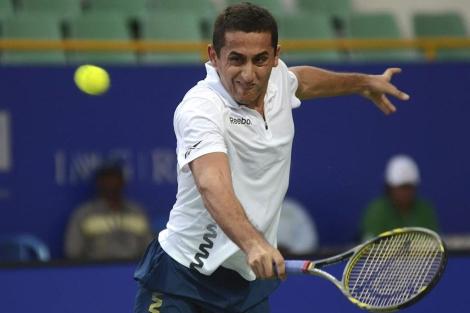 Nicolás Almagro, durante su partido de semifinales del torneo de Chennai | EFE
