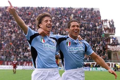 Crespo y Simeone, en su época de Lazio. (AP)