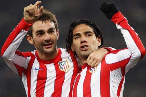 Falcao (dos) y Adrián (uno), autores de los goles en el Olímpico. (REUTERS)