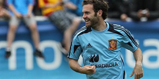 Juan Mata, en un entrenamiento en Austria con la selección. AFP