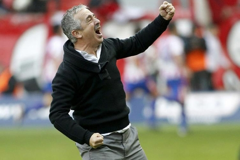 Manolo Preciado celebra un triunfo del Sporting. | Efe