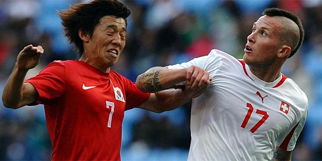 Morganella, en dura pugna el domingo con el coreano Bokyung Kim. (Foto: Afp)