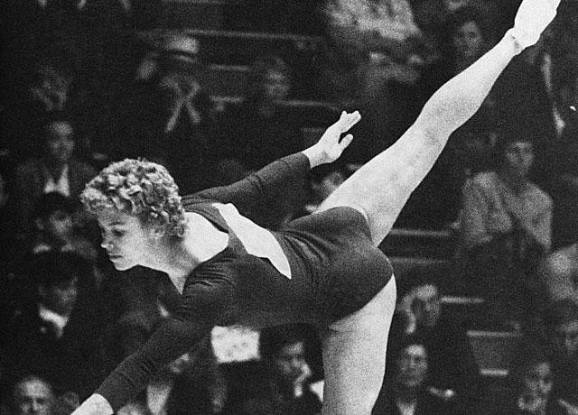 Larisa Latynina, en la final de Roma'60. (AP-ELMUNDO)