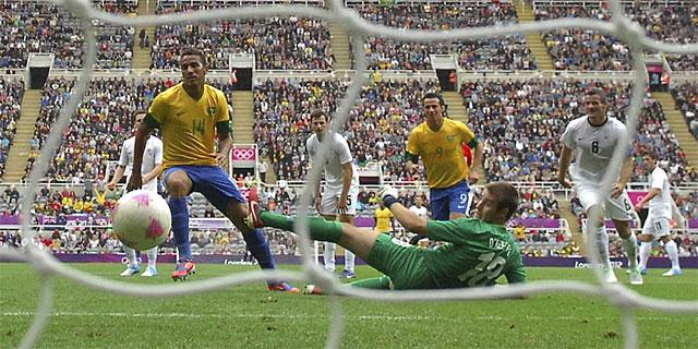 Damiao marca un gol a Honduras. | Efe