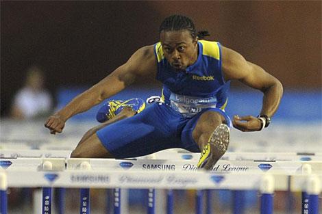 Aries Merritt, en acción durante la carrera. (AFP)