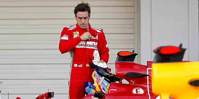 Alonso junto a su Ferrari, este fin de semana en Suzuka | EFE