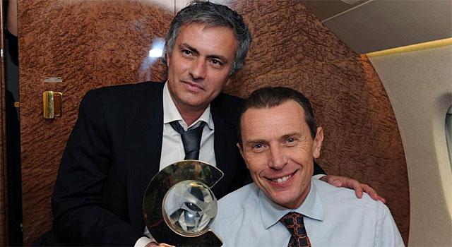 d054c9a7b5 Emilio Butragueño, con Mourinho cuando fue designado mejor entrenador del  mundo | Foto: Real