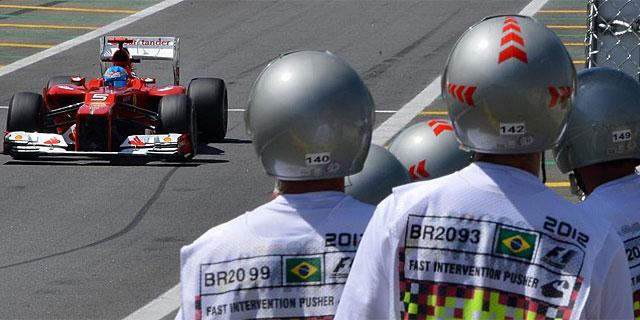 Fernando Alonso, en el trazado de Interlagos. (EFE)