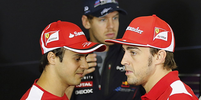 Massa (izda), Alonso y Vettel (centro).   REUTERS