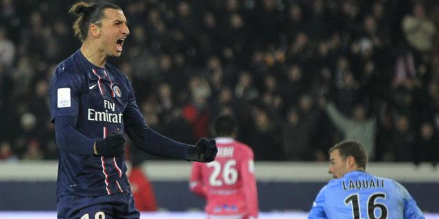 Ibrahimovic celebra con rabia el gol logrado ante el Evian. | Reuters