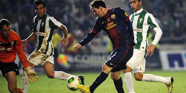 Messi, en la acción del 0-2 ante Saizar. (Foto: Afp)