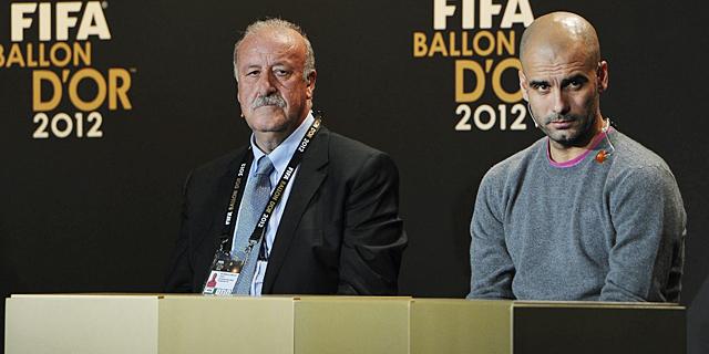 Pep Guardiola junto a Vicente del Bosque, en la gala.   EFE