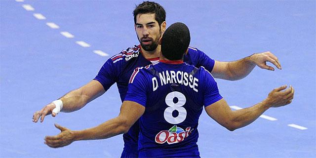Karabatic y Narcisse celebran la victoria ante Túnez. | Afp