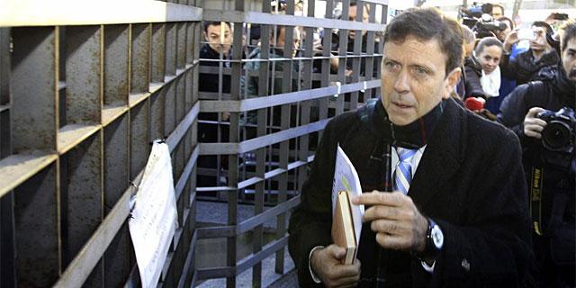 Eufemiano Fuentes, a su llegada al juzgado. (EFE)