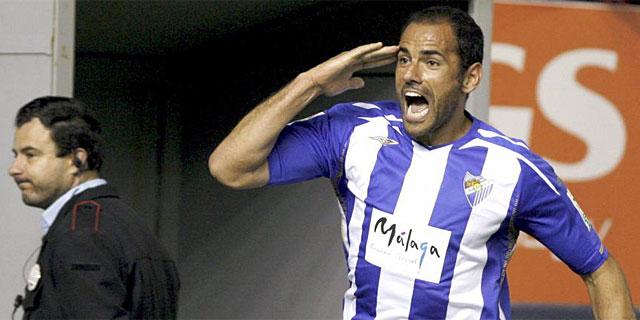 Salva Ballesta celebra un gol en su época en activo en el Málaga. (EFE)