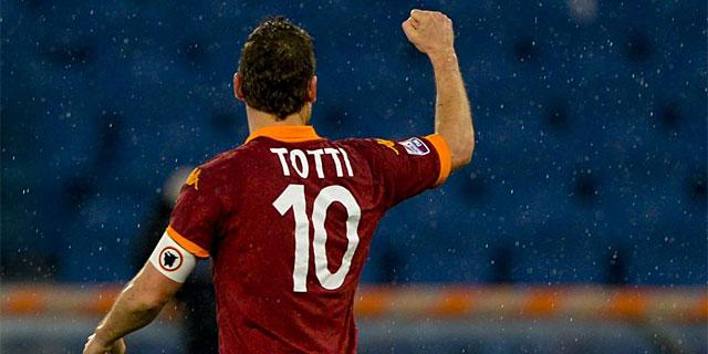 Francesco Totti, en un partido de la Roma. (AFP)