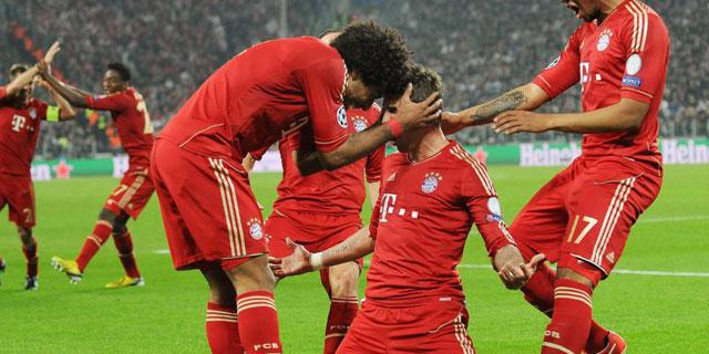 Los jugadores del Bayern celebran el gol de Mandzukic. (Foto: Efe)