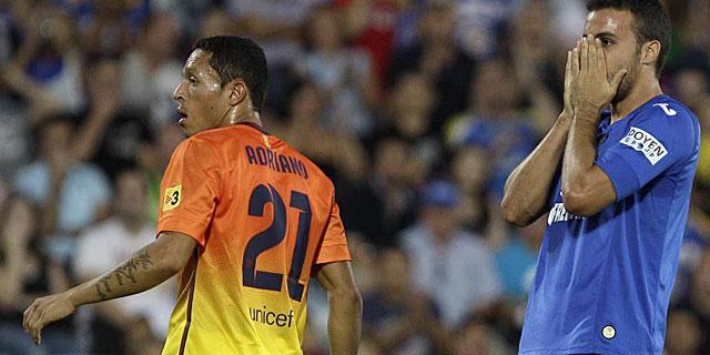 La polivalencia de Adriano, clave para su renovación hasta 2017. (MUNDO)