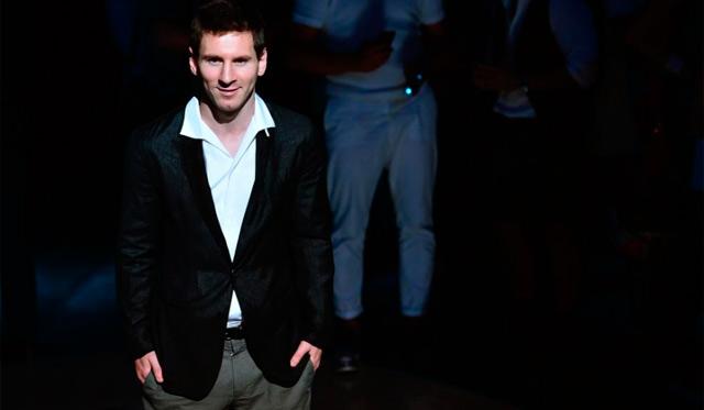 El jugador en el desfile de Dolce & Gabbana ayer en Milán. | Afp