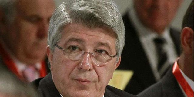 Enrique Cerezo, durante la asamblea de la Real Federación Española de Fútbol. | EFE