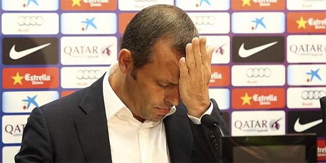 Sandro Rosell en la comparecencia en la que anunció la salida de Tito. | Efe