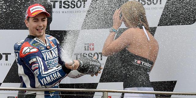 Jorge Lorenzo celebra su victoria en Phillip Island. | AFP