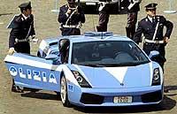 La policía italiana con el Lamborghini Gallardo