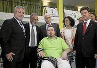 Campaña de Tráfico en el Hospital de Parapléjicos de Toledo. Pepe Navarro, Bernat Soria y Barreda visitan el hospital.