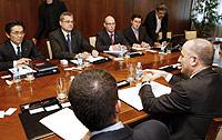El Ministro de Industria se reunió ayer con representantes de Nissan.Foto: EFE.