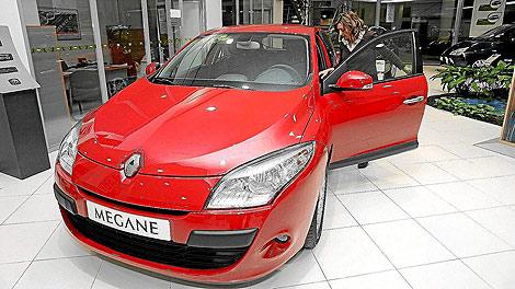 La venta de coches se estabiliza tras 15 meses de caída