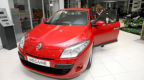La venta de coches cae un 18% en 2009