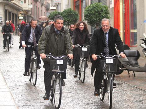El director de la DGT, Pere Navarro quiere fomentar el uso de la bicicleta. | Efe