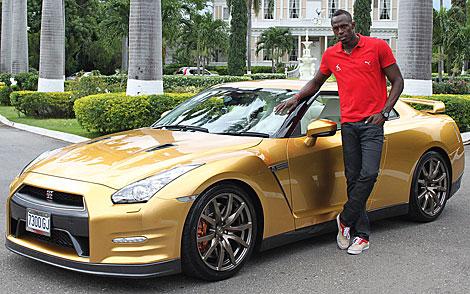 Usain Bolt y su Nissan GT-R