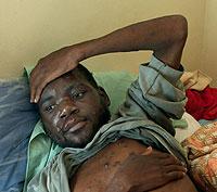 Un zimbabuense enfermo de sida en un centro de tratamiento. (Foto: Reuter)
