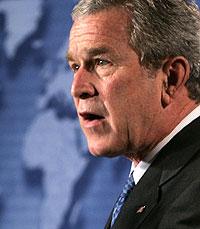 George W. Bush durante el anuncio de la aportación para la malaria. AP