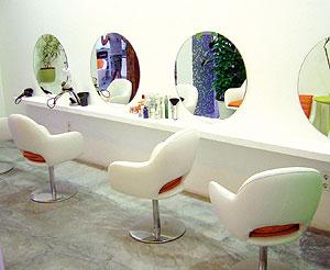 Los tintes del pelo suelen generar muchos problemas de dermatitis de contacto.