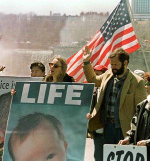 Protesta de un grupo antiabortista en Nueva York (Foto: Brendan McDermid Reuters)