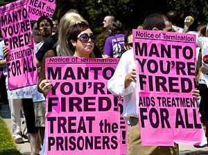 Activistas piden la dimisión de la ministra de salud. (Foto: AFP)