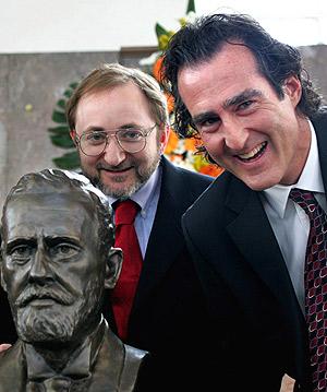 Los científicos galardonados con el Nobel de Medicina 2006. (Foto: AP | Michael Probst)