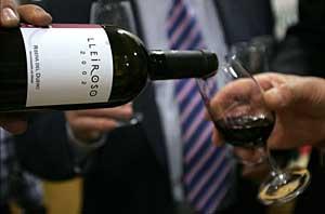 Dos copas de vino al día podrían reducir el riesgo cardiovascular en hombres sanos. (Foto: Ricardo Muñoz)