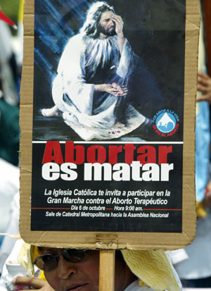 Una mujer participa en una manifestación contra el aborto terapéutico en Managua (Foto: Oswaldo Rivas | Reuters)
